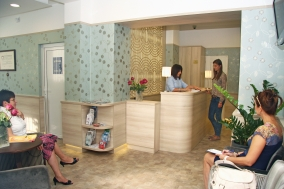 Reception & waiting rooms